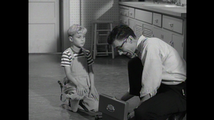 Dennis The Menace: S1 E22 - Dennis And The TV Set